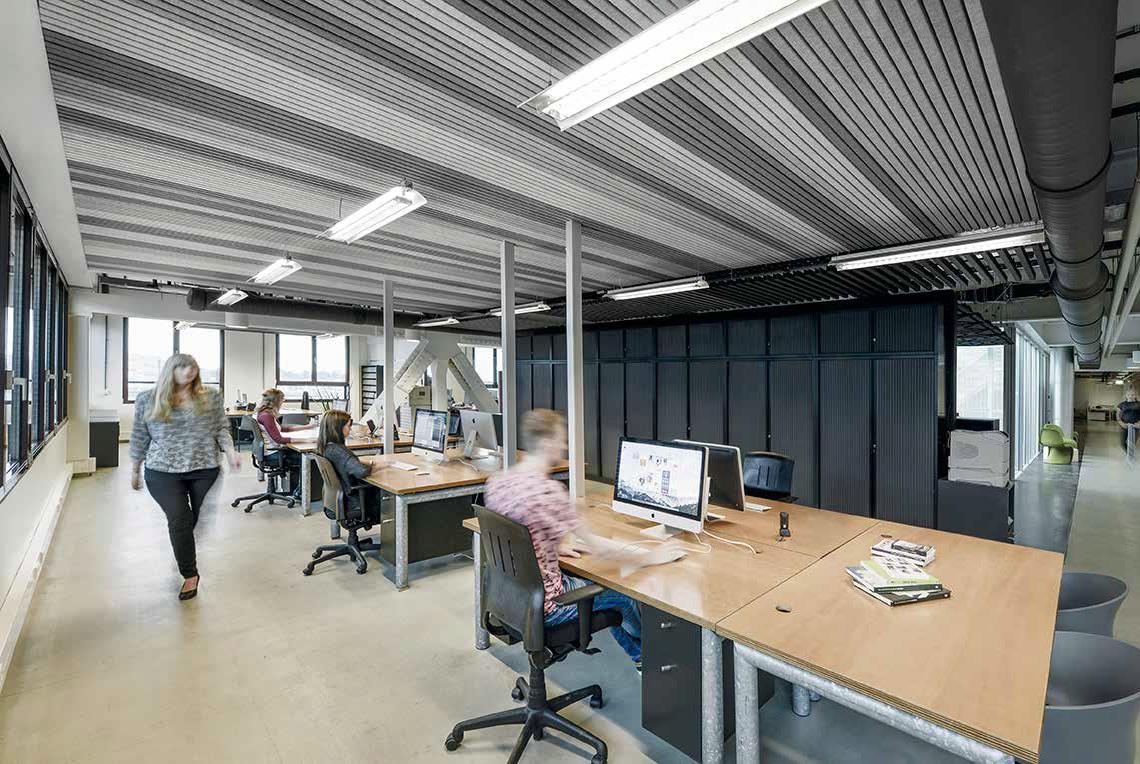 Таванът от филц на Хънтър Дъглас отговаря на всички естетически и функционални изисквания на архитектите и интериорните дизайнери. HeartFelt® е система, подходяща за частни и обществени сгради. Той е сертифициран по всички европейски стандарти. Предлага Верде Интериори