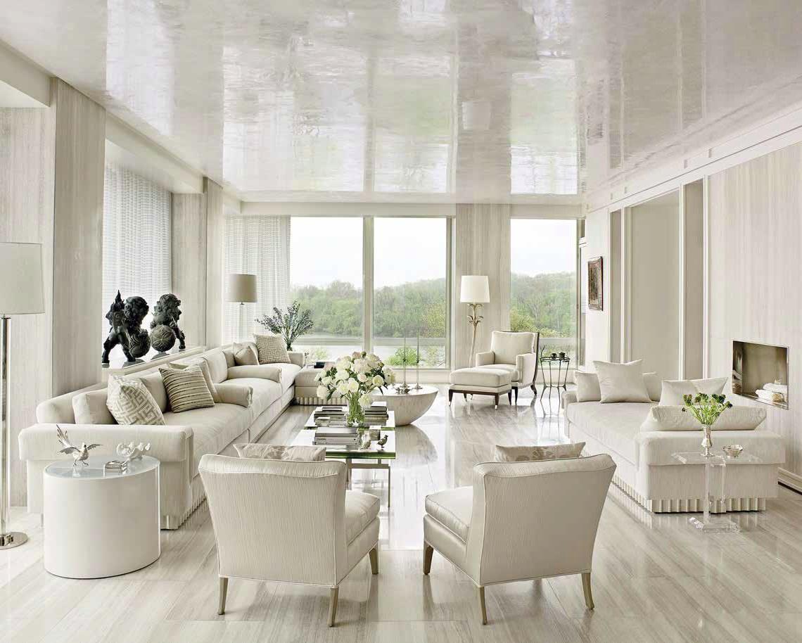 Полагането на декоративни мазилки и бои на тавана дава зрително възприятие за пространственост, стил и придава допълнителна осветеност в зависимост от избраното декоративно покритие с огледален или перлен отблясък. Предлага Brezza di Colori